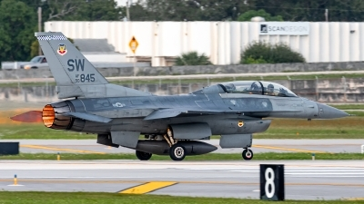 Photo ID 248400 by Hector Rivera - Puerto Rico Spotter. USA Air Force General Dynamics F 16D Fighting Falcon, 90 0845