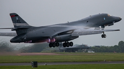 Photo ID 249875 by Mick Balter - mbaviation-images. USA Air Force Rockwell B 1B Lancer, 85 0084