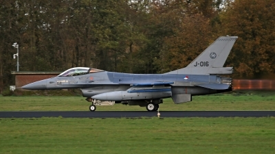 Photo ID 250617 by Richard de Groot. Netherlands Air Force General Dynamics F 16AM Fighting Falcon, J 016