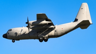 Photo ID 250593 by Matteo Buono. Italy Air Force Lockheed Martin C 130J Hercules L 382, MM62180