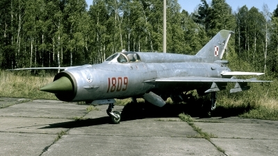 Photo ID 250691 by Marinus Dirk Tabak. Poland Air Force Mikoyan Gurevich MiG 21M, 1809