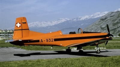 Photo ID 250779 by Joop de Groot. Switzerland Air Force Pilatus PC 7 Turbo Trainer, A 932