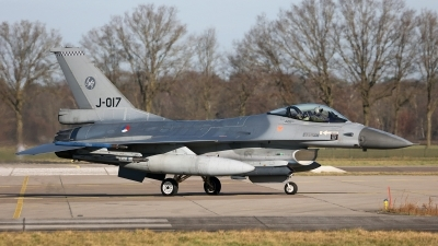 Photo ID 250900 by Carl Brent. Netherlands Air Force General Dynamics F 16AM Fighting Falcon, J 017