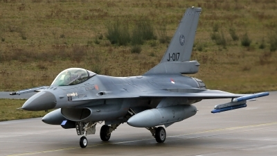 Photo ID 251654 by Richard de Groot. Netherlands Air Force General Dynamics F 16AM Fighting Falcon, J 017
