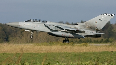 Photo ID 28354 by Rainer Mueller. UK Air Force Panavia Tornado F3, ZE838