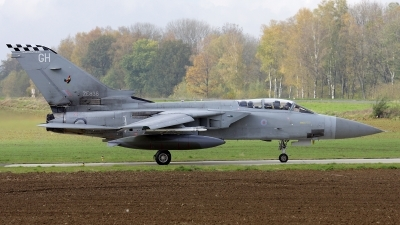 Photo ID 28644 by Walter Van Bel. UK Air Force Panavia Tornado F3, ZE838