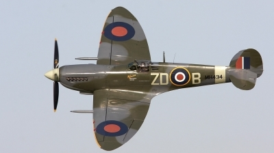 Photo ID 29084 by Bernie Condon. Private Private Supermarine 361 Spitfire LF9B, G ASJV