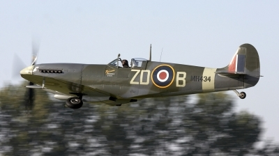 Photo ID 29086 by Bernie Condon. Private Private Supermarine 361 Spitfire LF9B, G ASJV