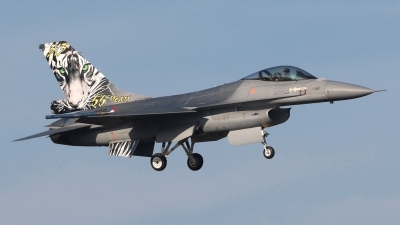 Photo ID 31381 by Mario Boeren. Netherlands Air Force General Dynamics F 16AM Fighting Falcon, J 008