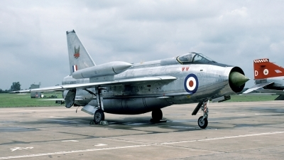 Photo ID 31553 by Joop de Groot. UK Air Force English Electric Lightning F6, XP693