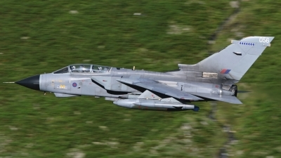 Photo ID 31849 by Paul Cameron. UK Air Force Panavia Tornado GR4, ZA588