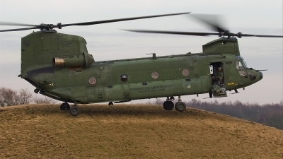 Photo ID 32061 by Alex van Noye. Netherlands Air Force Boeing Vertol CH 47D Chinook, D 103