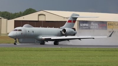 Photo ID 32255 by Rich Pittman. UK Air Force Bombardier BD 700 Sentinel R1, ZJ690