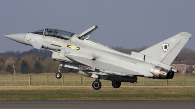 Photo ID 32277 by Chris Lofting. UK Air Force Eurofighter EF 2000 Typhoon T1, ZJ811