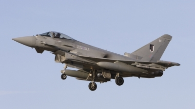 Photo ID 32724 by Tom Gibbons. UK Air Force Eurofighter EF 2000 Typhoon FGR4, ZJ913
