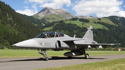 Photo ID 33895 by Ludwig Isch. Czech Republic Air Force Saab JAS 39D Gripen, 9820