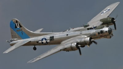 Photo ID 35144 by Johannes Berger. Private Commemorative Air Force Boeing B 17G Flying Fortress 299P, N9323Z