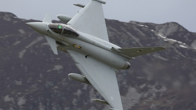 Photo ID 35267 by Barry Swann. UK Air Force Eurofighter EF 2000 Typhoon FGR4, ZJ943