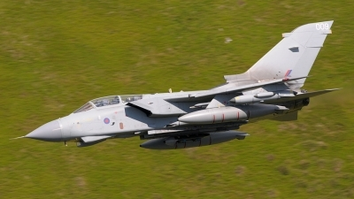 Photo ID 35909 by Paul Massey. UK Air Force Panavia Tornado GR4A, ZA395