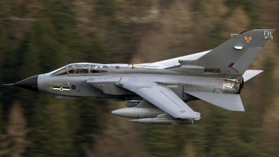 Photo ID 36595 by Chris Lofting. UK Air Force Panavia Tornado GR4, ZA453