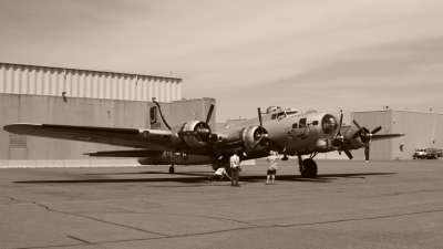 Photo ID 36957 by Randall Kinkor. Private Liberty Foundation Boeing B 17G Flying Fortress 299P, N390TH