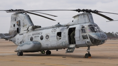 Photo ID 4558 by Jeremy Gould. USA Marines Boeing Vertol CH 46E Sea Knight 107 II, 155304