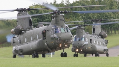 Photo ID 4658 by Robin Powney. UK Air Force Boeing Vertol Chinook HC2, ZA705