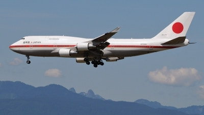 Photo ID 38695 by Mark Munzel. Japan Air Force Boeing 747 47C, 20 1102