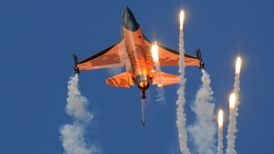 Photo ID 39894 by Jakub Vanek. Netherlands Air Force General Dynamics F 16AM Fighting Falcon, J 015