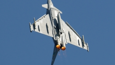 Photo ID 39566 by Jakub Vanek. UK Air Force Eurofighter EF 2000 Typhoon F2, ZJ925
