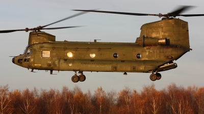 Photo ID 42706 by Jimmy van Drunen. Netherlands Air Force Boeing Vertol CH 47D Chinook, D 667