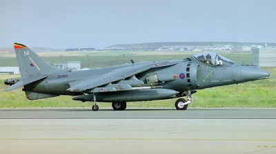 Photo ID 43004 by Arie van Groen. UK Air Force British Aerospace Harrier GR7, ZD466