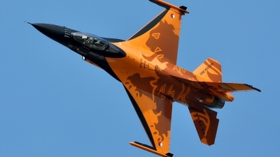 Photo ID 43809 by Radim Spalek. Netherlands Air Force General Dynamics F 16AM Fighting Falcon, J 015