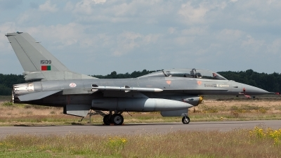 Photo ID 44210 by Lieuwe Hofstra. Portugal Air Force General Dynamics F 16BM Fighting Falcon, 15139
