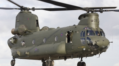 Photo ID 45338 by Chris Lofting. UK Air Force Boeing Vertol Chinook HC2, ZD574