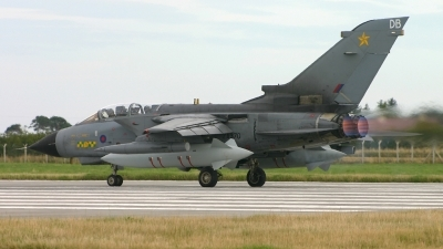 Photo ID 46481 by Tom Gibbons. UK Air Force Panavia Tornado GR4A, ZA370