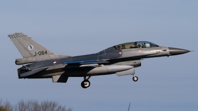 Photo ID 47910 by Bert van Wijk. Netherlands Air Force General Dynamics F 16BM Fighting Falcon, J 064