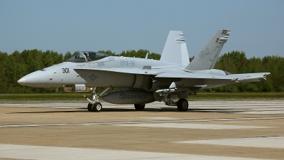 Photo ID 48201 by David F. Brown. USA Navy McDonnell Douglas F A 18C Hornet, 164675