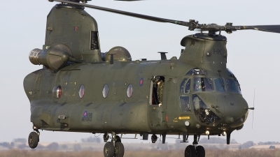 Photo ID 48690 by Chris Lofting. UK Air Force Boeing Vertol Chinook HC2A, ZH896