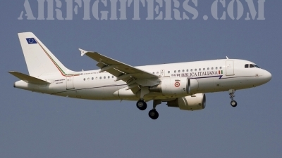 Photo ID 6054 by Roberto Bianchi. Italy Air Force Airbus A319 112CJ, MM62243
