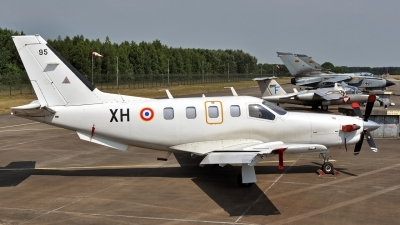 Photo ID 51629 by Eric Tammer. France Air Force Socata TBM 700A, 95
