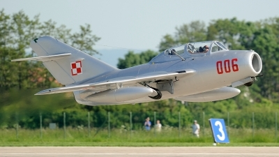 Photo ID 53503 by Jakub Vanek. Private Private Mikoyan Gurevich MiG 15UTI, SP YNZ