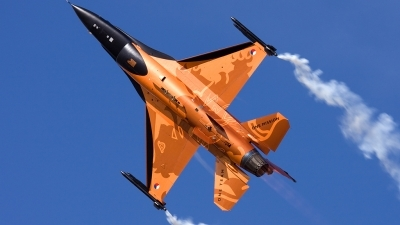 Photo ID 54306 by Ian Heald. Netherlands Air Force General Dynamics F 16AM Fighting Falcon, J 015