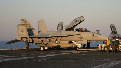 Photo ID 68 by Paul Tiller. USA Navy Boeing F A 18F Super Hornet, 165932
