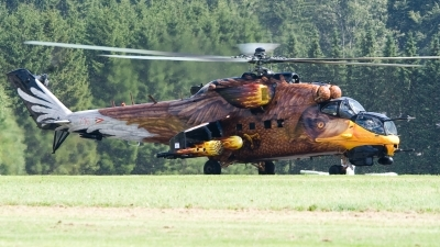 Photo ID 55981 by Bert van Wijk. Hungary Air Force Mil Mi 24V, 716