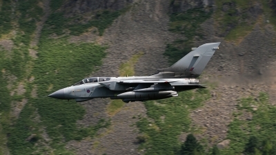 Photo ID 56661 by Barry Swann. UK Air Force Panavia Tornado GR4, ZD715