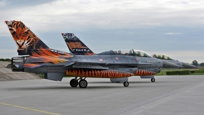 Photo ID 58565 by Eric Tammer. Turkey Air Force General Dynamics F 16D Fighting Falcon, 93 0696