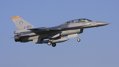 Photo ID 59131 by Robin Coenders / VORTEX-images. Netherlands Air Force General Dynamics F 16BM Fighting Falcon, J 369