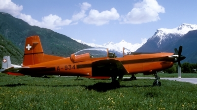 Photo ID 59792 by Joop de Groot. Switzerland Air Force Pilatus PC 7 Turbo Trainer, A 934