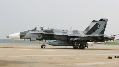 Photo ID 62021 by Rob Hendriks. USA Navy McDonnell Douglas F A 18A Hornet, 162874